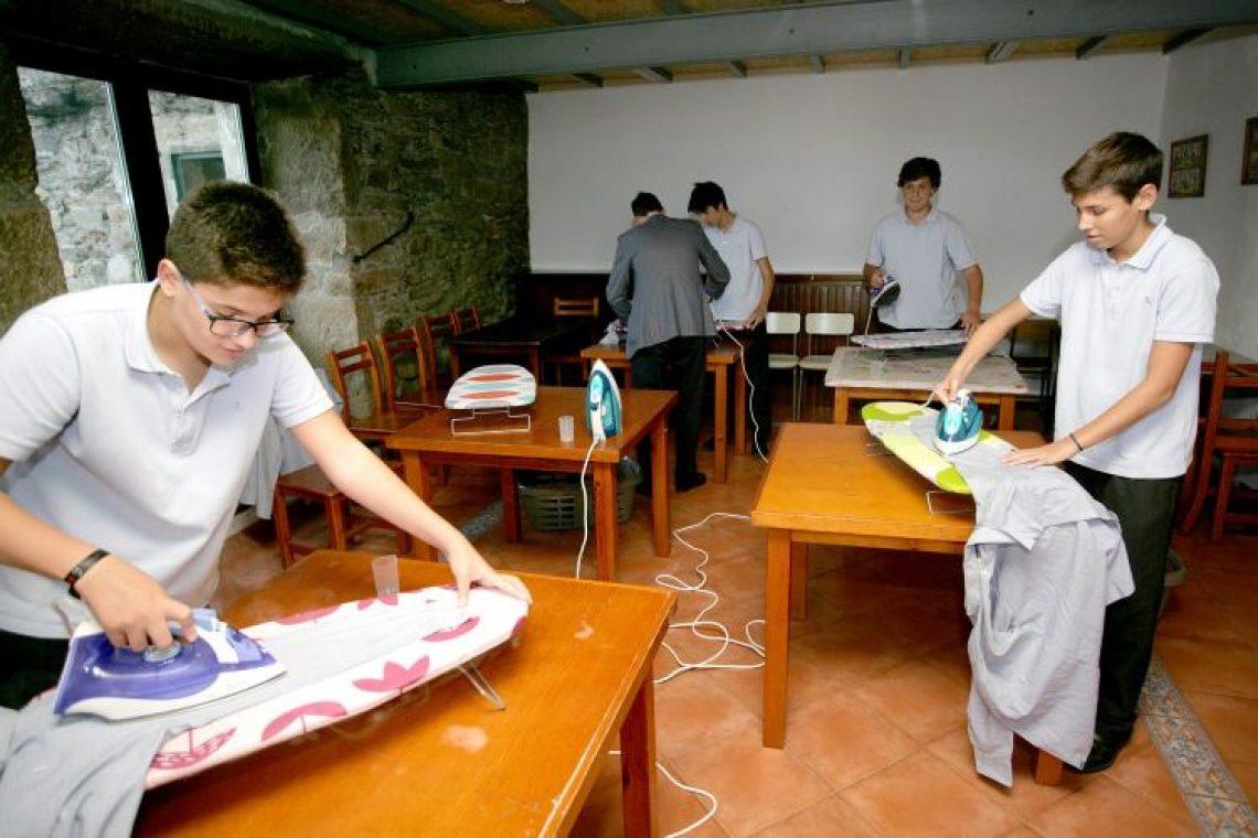 Σχολείο στην Ισπανία διδάσκει οικιακές εργασίες σε αγόρια