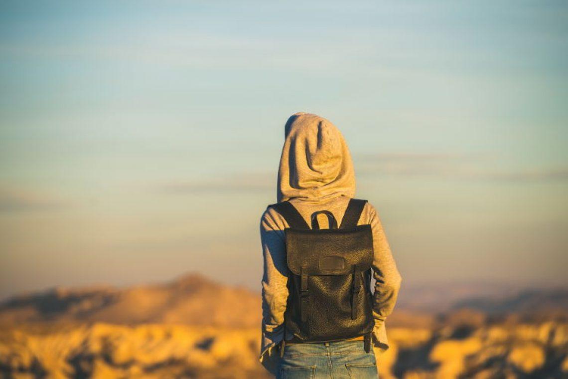 Παίρνεις τη ζωή σου στα χέρια σου και συμβαίνει κάτι φοβερό: Δεν έχεις κανέναν να ρίξεις το φταίξιμο.